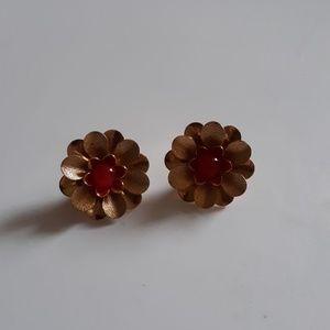 Sara cov flower earrings clip on